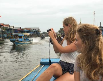 Private day tour from Siem Reap to Phnom Penh
